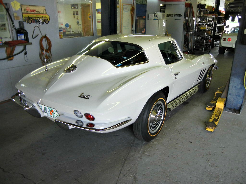 1966 Corvette 327 CI - 300 HP