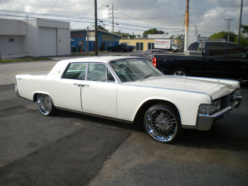 1966 Lincoln Continental, engine rebuild